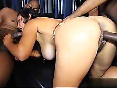 Modello di giovane ass licking