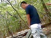 Um viajante do encalhado foi capturada através homossexuais