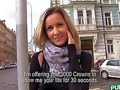 Große Brüste Amateur Slut eine Fick gezahlt öffentlich
