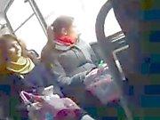 Dickin Flashin uteliaita tytön bussilla