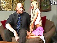 Babysitter tetona delgado y Kimber de James el culo