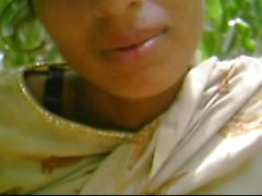 Desi GF Getting Nicely Fuked von BF In Forest wid Audio