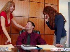 Milf ofis babes Darla Crane ve Syren De Mer payı dick