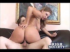 Gros seins de Nikki Sexx Equitation du sexe