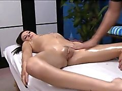 Chicas atornillada después de masaje carnales dada con a Jake