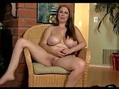Slut Rund Tits & Enge Pussy