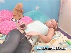 Pone el consolador en francés ninfómana de atornillado dormitorio PIEZA5