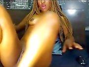Babe masturbate her pussy - livemonique
