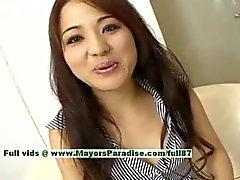 Miina superb Chinesisch Mädchen bekommt leckte Nippel