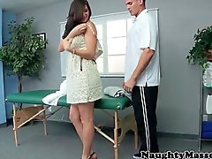 Élevé Massage du plantureuse nana aimer son le visage