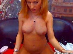 Blonde Lise İzlenen Striptiz ve Parmaklama