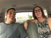 Kinky coppia ottiene scendere e sporco nel retro di un furgone