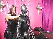 Fétichisme de latex femme noire
