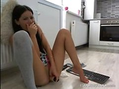 Sensual Teen Squirting Gibi