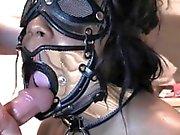 Atada esclavas sexuales obtiene desembocadura enfadado en rodillas