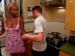 Noir d'âge mûr Domestique baises avec son patron