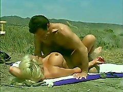 Classic Hugetitted Babe munaa rannalla