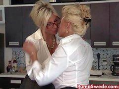 Puma Swede & Bobbi de den lesbiska Office Slu