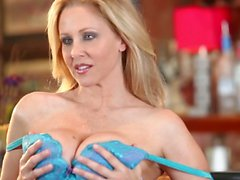 Busty MILF Julia Ann with adorable body