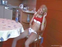 18 anni russo Loly scopata