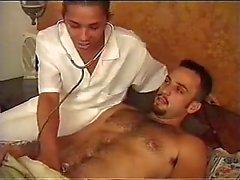 Развратные TS медсестра отдается пациента