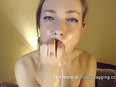 Alt bellezza deepthroats sex-toy