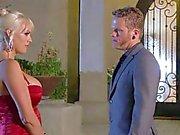 Busty blondin stromy Daniels får ansatt