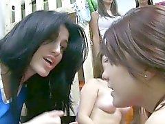 Lesben Schwesternschaft Jugendliche indem er bj Dunst verhangenen
