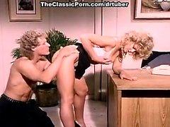 KC Williams, Randy West in klassischer Porno Video mit warmen