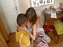 Eu amo este incrível babysitters anal
