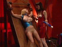 Di Krissy di Lynn in allegria A femdom con la di Bobbi Starr ed amico