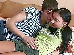 Junge Russe Paares und erste Mal Sex