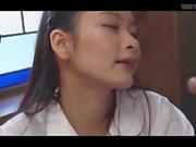 etudiante japonaise docile soumise suce beau pere