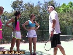 A tennis amatrice infiammante