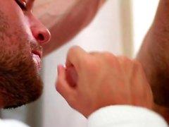 Muskulös analsex och ansiktsbehandling