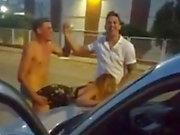 foder no estacionamento depois de boate