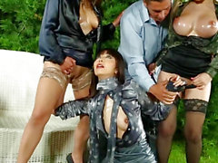 Rich harlots cocksucking and fisting fur pie