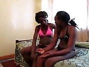 African лесбиянкам Городу а Iverem пользуются дилдо и чертовски