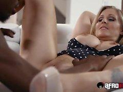 Platinum pornstar Julia Ann fucked by a monster black cock