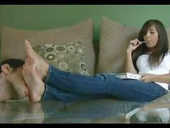 Göttin verehrt Ariana Feet