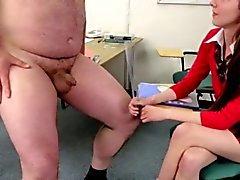 Pequeñas tio pene está degradando