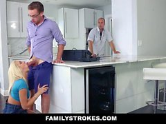 FamilyStrokes - Hot Teen scopa Step cugino da cucina