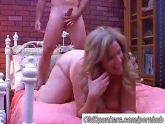 Bellissima mature Donne Grosse e Belle Deedra vanta sperma in tutto il le sue tette grandi