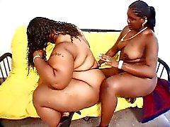 Ebony fat bitches hartverscheurende de kunststof haan