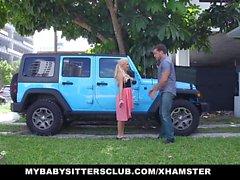 MyBabySittersClub - Babysitter sorpreso con gallo sul compleanno