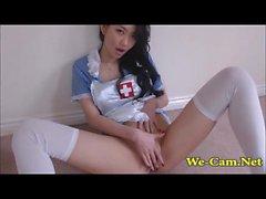 Bigtits camgirl asiática em uniforme de enfermeira