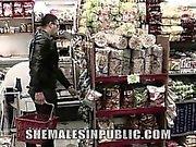 Tamy är chockade när her expojkvän finner henne shopping i