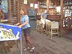 Hete rijpe Roken en Banging in Bar