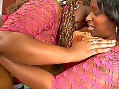 Ebony hotties rakastaa saada Butt - kyytiä