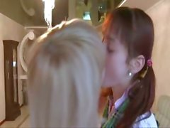 Il vero amore tra il girlsongirls russe